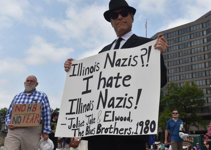 TOPSHOT-US-POLITICS-RACISM-DEMONSTRATION