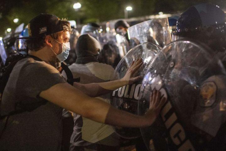 TOPSHOT-US-POLITICS-POLICE-JUSTICE-RACISM